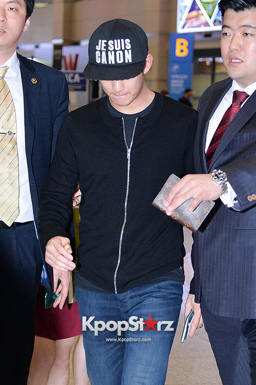 Kim Soo Hyun Arrived at Incheon Airport from Singapore - April 28, 2014 [PHOTOS]key=>5 count10