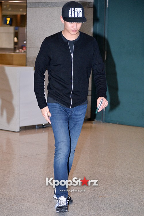 Kim Soo Hyun Arrived at Incheon Airport from Singapore - April 28, 2014 [PHOTOS]key=>7 count10