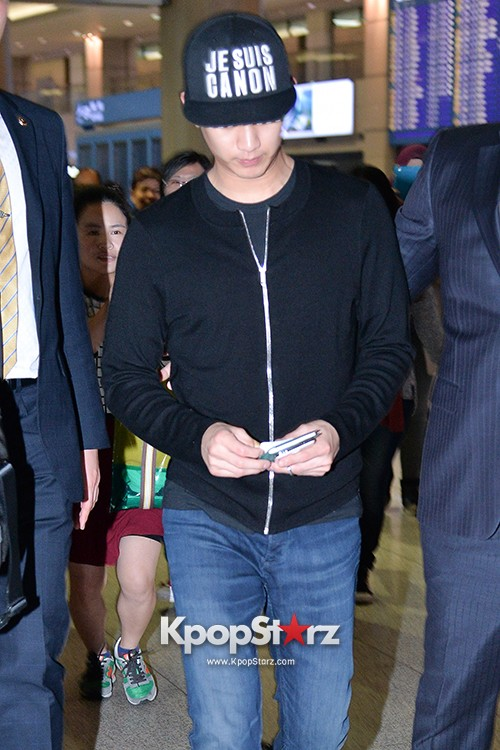 Kim Soo Hyun Arrived at Incheon Airport from Singapore - April 28, 2014 [PHOTOS]key=>9 count10