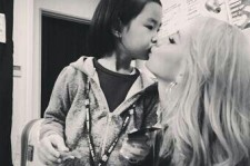 2ne1 cl kissing haru