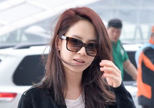 Song Ji Hyo at Incheon Airport, Heading to Singapore for Promoting Emergency Couple