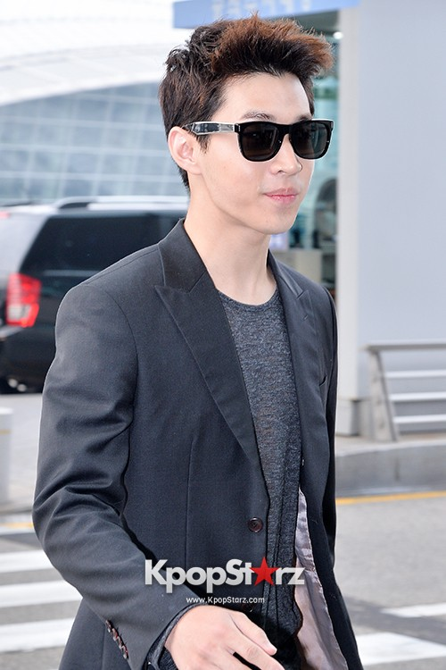 Henry at Incheon Airport Heading to Singapore to Attend Singapore E-Awards key=>14 count17