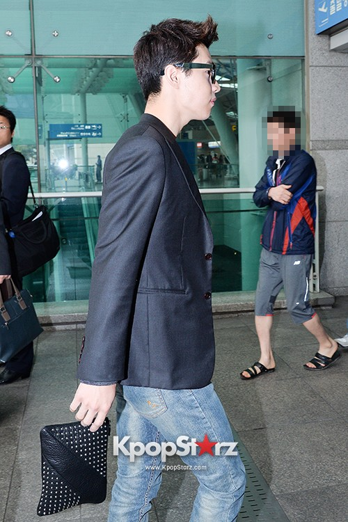 Henry at Incheon Airport Heading to Singapore to Attend Singapore E-Awards key=>16 count17