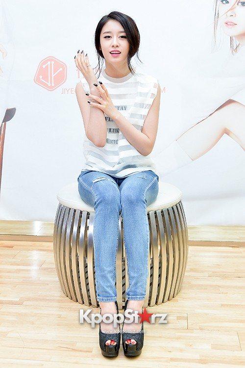 T-ara's Jiyeon Held a Press Conference for Never Ever with the Release of Her First Solo Mini-Albumkey=>5 count56
