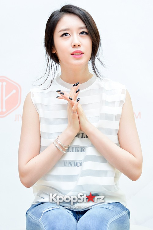 T-ara's Jiyeon Held a Press Conference for Never Ever with the Release of Her First Solo Mini-Albumkey=>9 count56