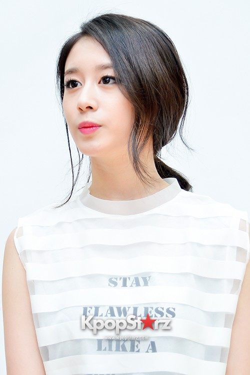 T-ara's Jiyeon Held a Press Conference for Never Ever with the Release of Her First Solo Mini-Albumkey=>12 count56