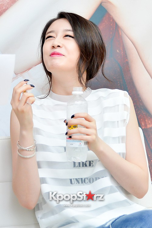 T-ara's Jiyeon Held a Press Conference for Never Ever with the Release of Her First Solo Mini-Albumkey=>14 count56