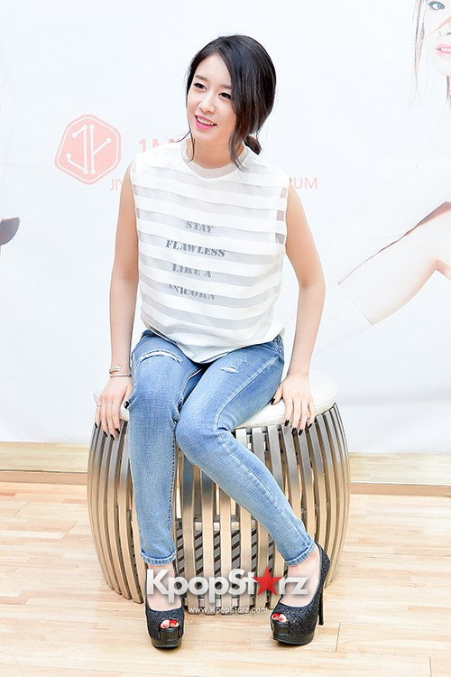 T-ara's Jiyeon Held a Press Conference for Never Ever with the Release of Her First Solo Mini-Albumkey=>16 count56