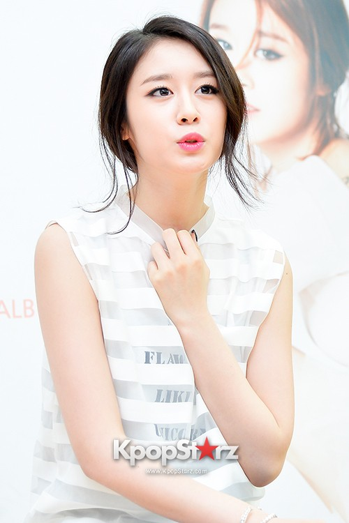 T-ara's Jiyeon Held a Press Conference for Never Ever with the Release of Her First Solo Mini-Albumkey=>38 count56