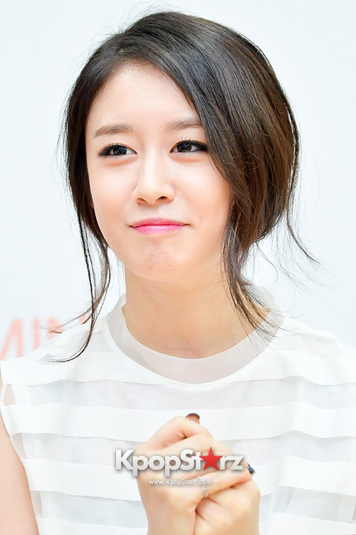 T-ara's Jiyeon Held a Press Conference for Never Ever with the Release of Her First Solo Mini-Albumkey=>42 count56