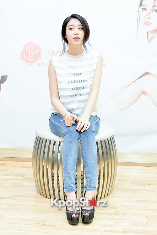 T-ara's Jiyeon Held a Press Conference for Never Ever with the Release of Her First Solo Mini-Albumkey=>52 count56
