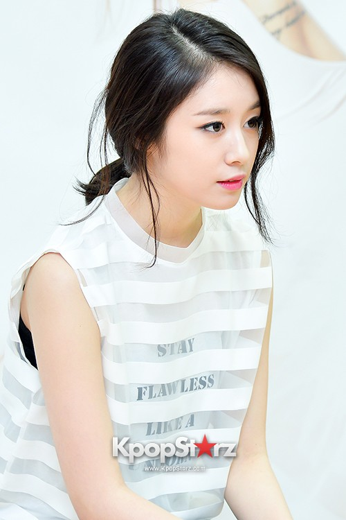 T-ara's Jiyeon Held a Press Conference for Never Ever with the Release of Her First Solo Mini-Albumkey=>55 count56
