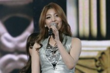Ailee Shows Off Her Excellent Vocal Skills at '2012 Dream Concert' [PHOTOS]