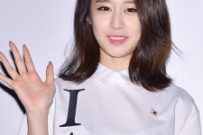 T-ara's Jiyeon Holds '1Min 1Sec' Fansign at Lotte Cinema