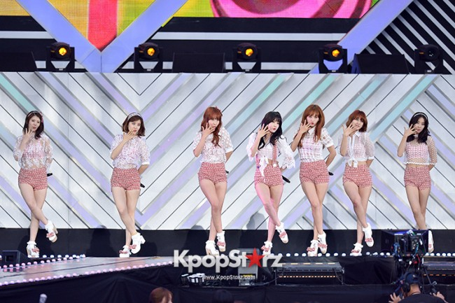 Rainbow Performed at The 20th Anniversary of the 'We Love Korea 2014 Dream Concert' key=>3 count8