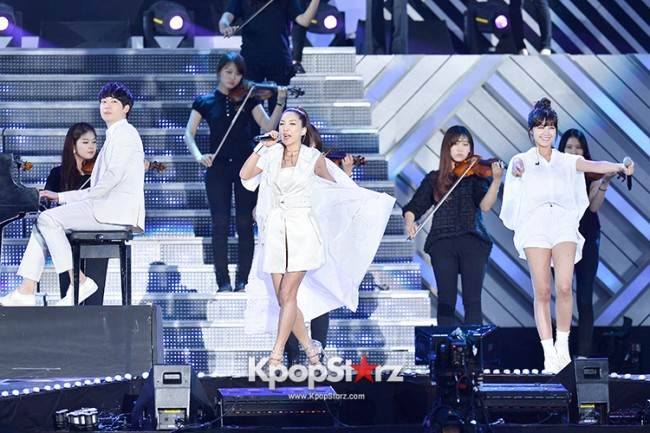 Bada, Yunhan and Jung Eunji Performed at The 20th Anniversary of the 'We Love Korea 2014 Dream Concert' key=>10 count12
