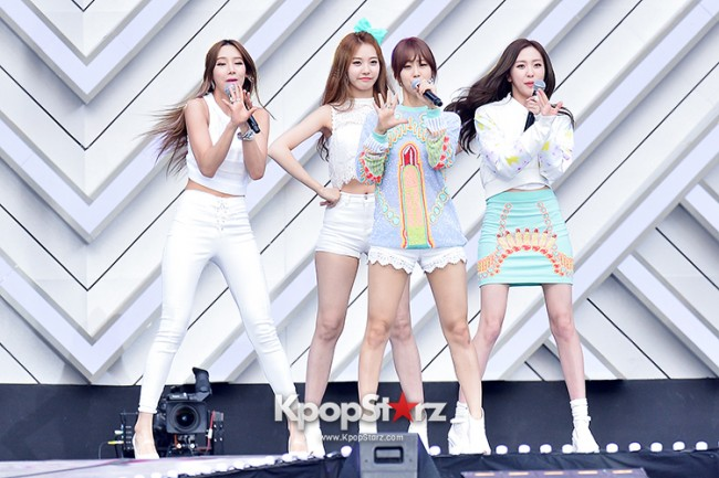 BESTie Performed at The 20th Anniversary of the 'We Love Korea 2014 Dream Concert' key=>4 count12