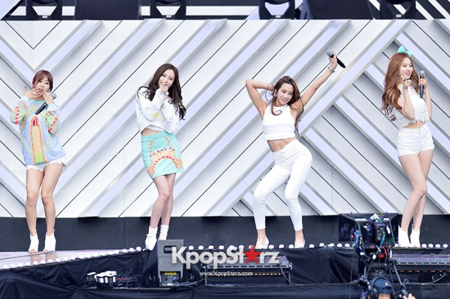 BESTie Performed at The 20th Anniversary of the 'We Love Korea 2014 Dream Concert' key=>9 count12