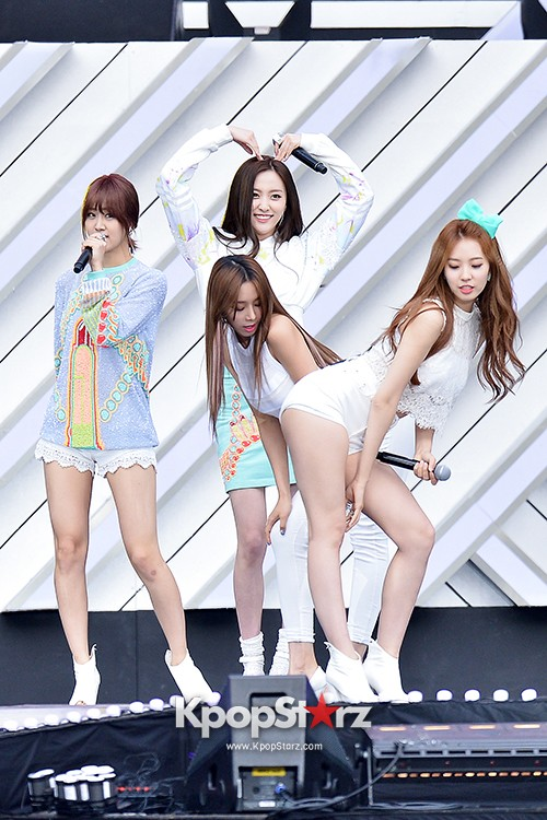 BESTie Performed at The 20th Anniversary of the 'We Love Korea 2014 Dream Concert' key=>0 count12