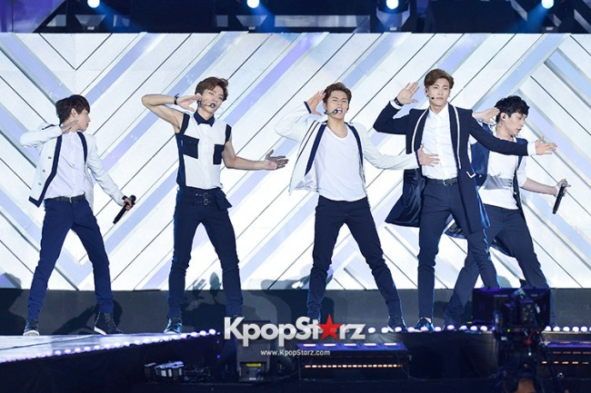 ZE:A Performed at The 20th Anniversary of the 'We Love Korea 2014 Dream Concert' key=>7 count17