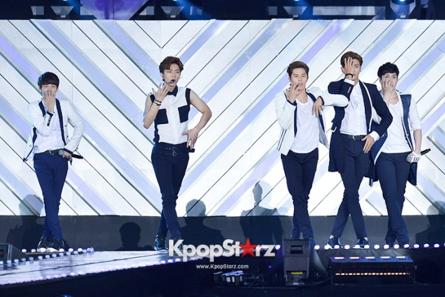 ZE:A Performed at The 20th Anniversary of the 'We Love Korea 2014 Dream Concert' key=>9 count17