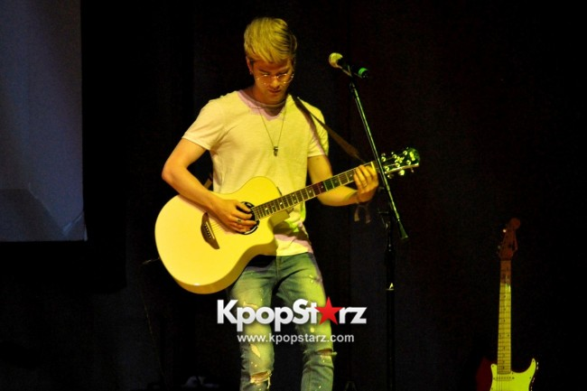 Lunafly Successfully Holds A Memorable And Enjoyable [From Us To You] Fan Meet In Singapore  [PHOTOS]key=>6 count56