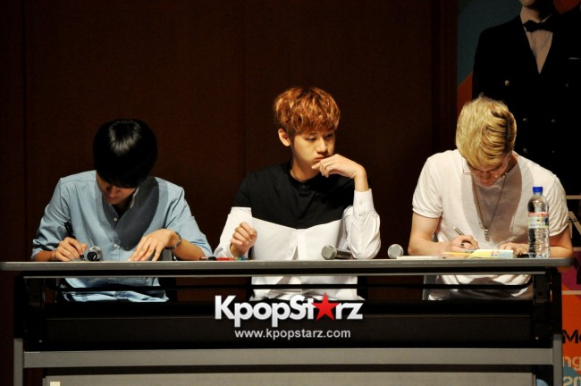 Lunafly Successfully Holds A Memorable And Enjoyable [From Us To You] Fan Meet In Singapore  [PHOTOS]key=>18 count56