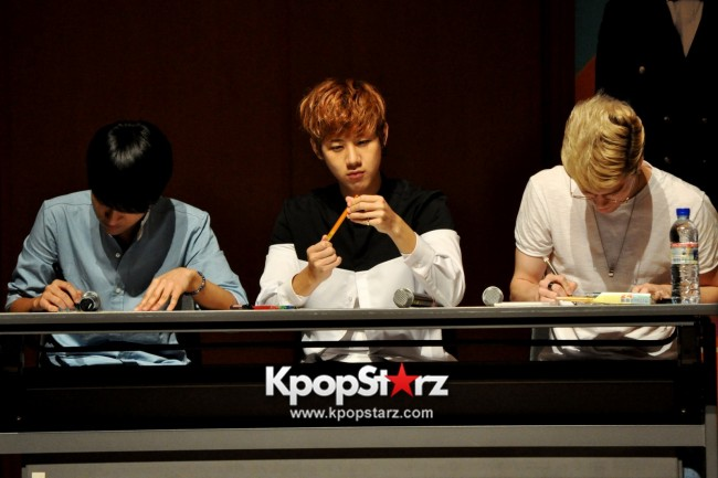 Lunafly Successfully Holds A Memorable And Enjoyable [From Us To You] Fan Meet In Singapore  [PHOTOS]key=>20 count56
