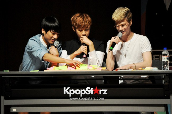 Lunafly Successfully Holds A Memorable And Enjoyable [From Us To You] Fan Meet In Singapore  [PHOTOS]key=>25 count56