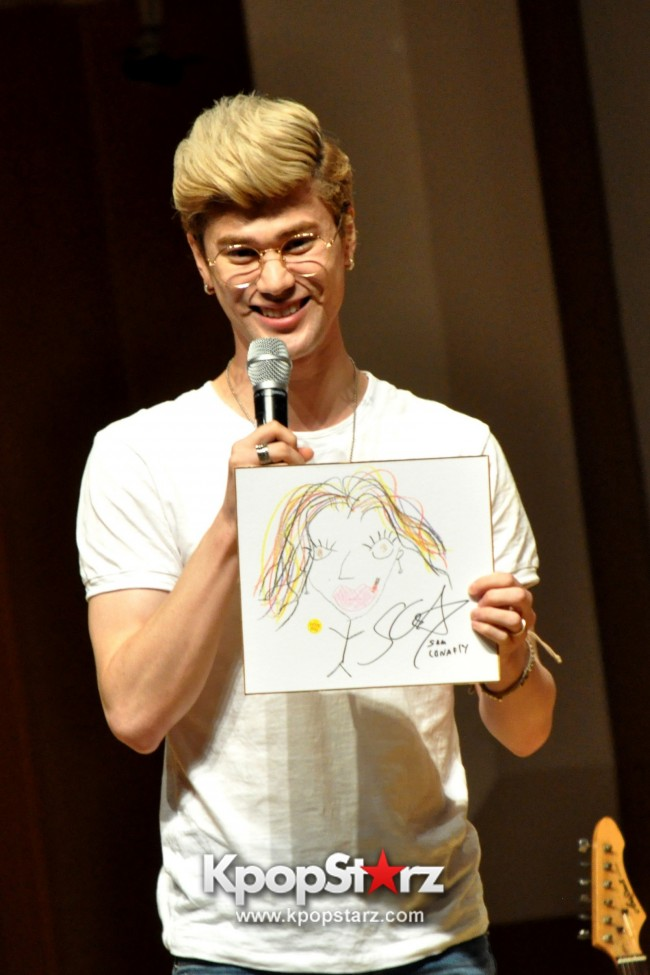 Lunafly Successfully Holds A Memorable And Enjoyable [From Us To You] Fan Meet In Singapore  [PHOTOS]key=>24 count56