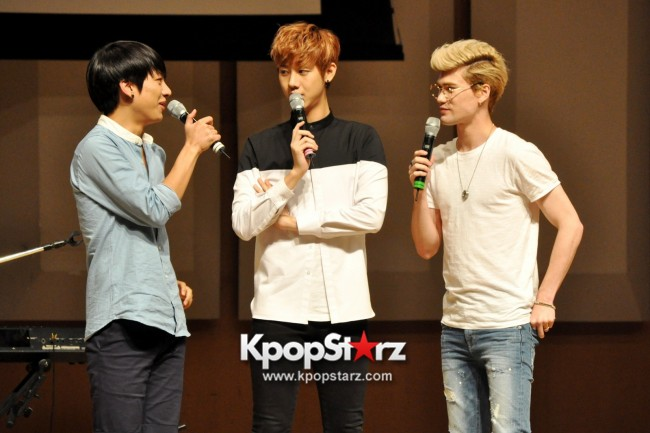 Lunafly Successfully Holds A Memorable And Enjoyable [From Us To You] Fan Meet In Singapore  [PHOTOS]key=>38 count56