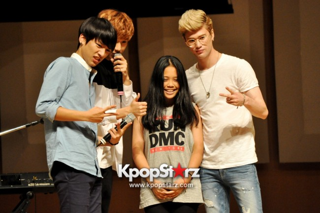 Lunafly Successfully Holds A Memorable And Enjoyable [From Us To You] Fan Meet In Singapore  [PHOTOS]key=>36 count56