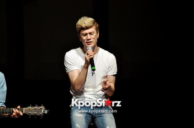 Lunafly Successfully Holds A Memorable And Enjoyable [From Us To You] Fan Meet In Singapore  [PHOTOS]key=>44 count56