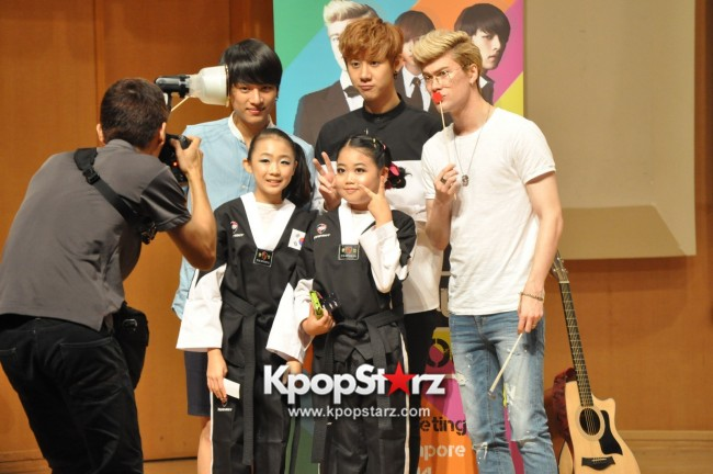 Lunafly Successfully Holds A Memorable And Enjoyable [From Us To You] Fan Meet In Singapore  [PHOTOS]key=>54 count56