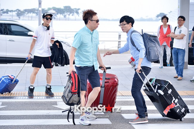 Infinite Challenge Members at Incheon Airport to Brazil for the Cheerleading Projectkey=>6 count32