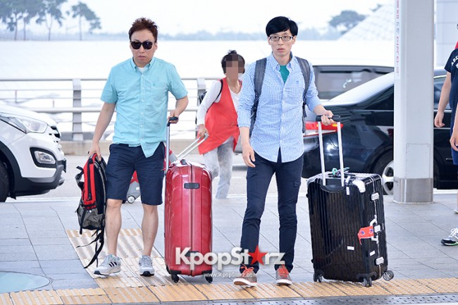 Infinite Challenge Members at Incheon Airport to Brazil for the Cheerleading Projectkey=>8 count32