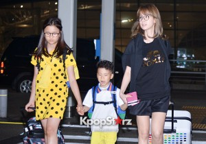 Dad! Where Are We Going's Members at Incheon Airport to Brazil for the Cheerleading Project