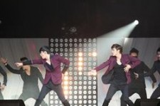 TVXQ's Performance at 'SMTOWN Live 2012 in LA' [PHOTOS]