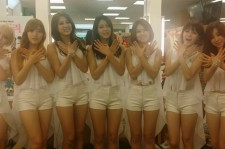 AOA Comes Back With 'Short Hair' And Makes A Surprise Apperance In The Standby Room