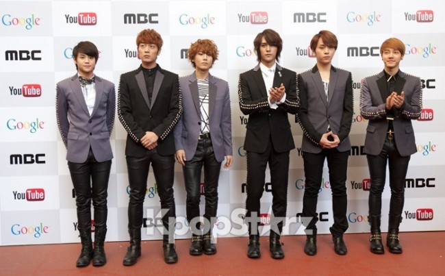 BEAST's Group Shot at 'MBC Korean Music Wave in Google' Press Photo Opt in Mountain Viewkey=>0 count1