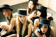 f(x) 3rd Album 'Red Light' Tops Both Korea And Taiwan Weekly Music Charts