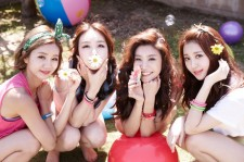 "Girl's Day's Music Video of ""Darling"" Reaches 1 Million Views"