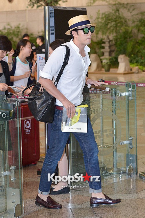 So Ji Sub at Gimpo Airport for Fan Meeting in Japankey=>5 count14