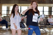 Secret's Hana and Jieun at Gimpo Airport Heading to Japan