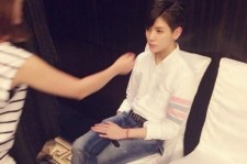 NU'EST Len Takes A Doll-Like Photo
