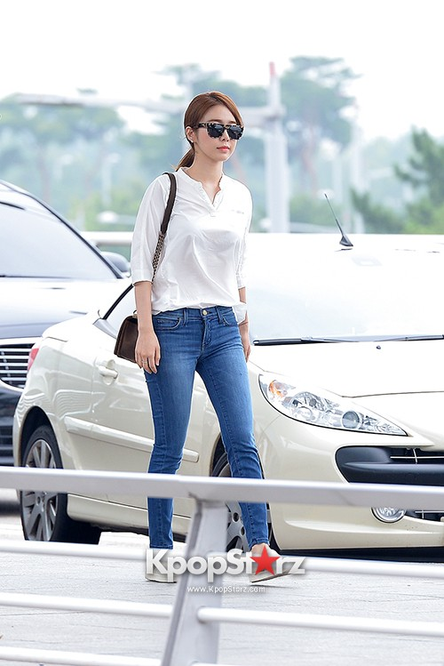 Yoo In Na at Incheon International Airport Heading to LA M.NET K-CON 2014key=>2 count19