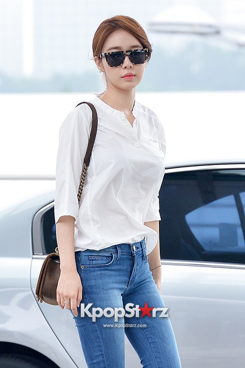 Yoo In Na at Incheon International Airport Heading to LA M.NET K-CON 2014key=>3 count19