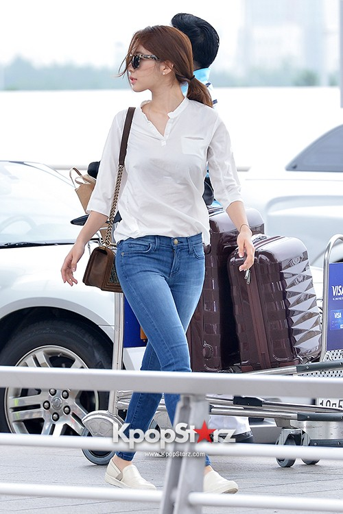 Yoo In Na at Incheon International Airport Heading to LA M.NET K-CON 2014key=>5 count19