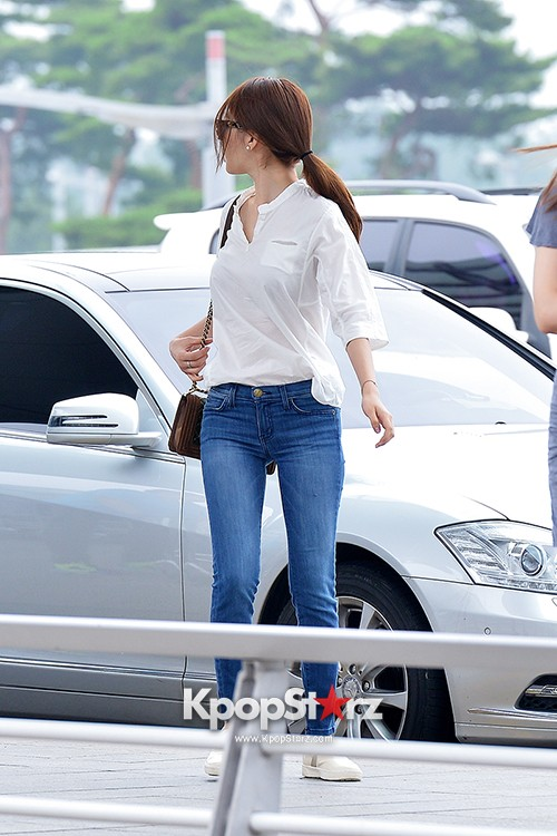 Yoo In Na at Incheon International Airport Heading to LA M.NET K-CON 2014key=>7 count19