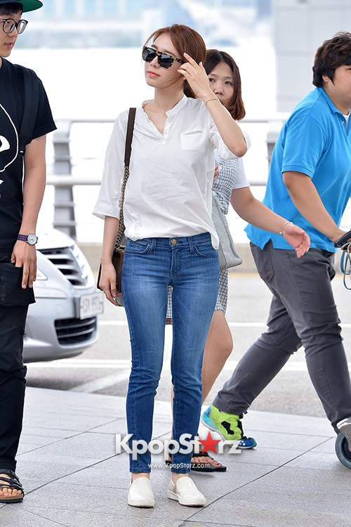 Yoo In Na at Incheon International Airport Heading to LA M.NET K-CON 2014key=>9 count19